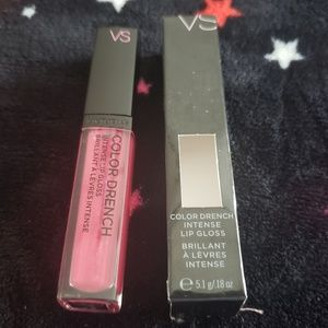 VS color drench GO TO EXTREMES Lip Gloss NEW